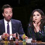 Selena Gomez u Jimmy'ego Fallona: Pikantne skrzydełka i nowa płyta