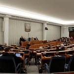 Senacka komisja zaopiniowała budżet w części dot. zdrowia. PO opuściła salę