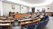 Senat jednogłośnie za podniesieniem renty socjalnej
