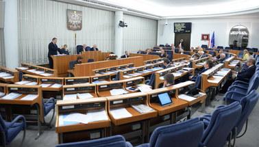 Senat: Nowelizacje kontrowersyjnych ustaw o sądach i KRS przyjęte bez poprawek