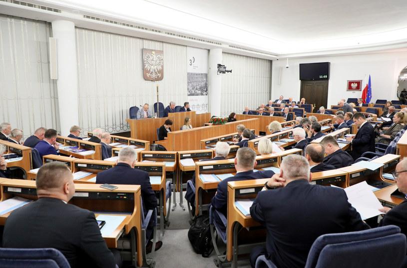 Senat podjął decyzję /Piotr Molecki /East News