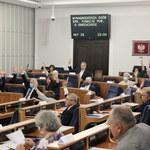 Senat przeciw podwyżkom dla polityków. Terlecki: Projekt kończy swoją historię
