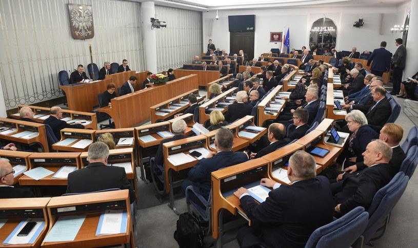 Senat przerwał dyskusję nad nowelizacją o KRS do środy /Radek Pietruszka /PAP