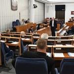 Senat za podniesieniem renty socjalnej