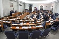 Senat za zmianami w regulaminie. Dla opozycji to tłumienie wolności