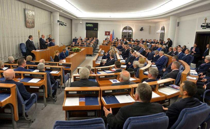 Senat, zdj. ilustracyjne /Marcin Obara /PAP