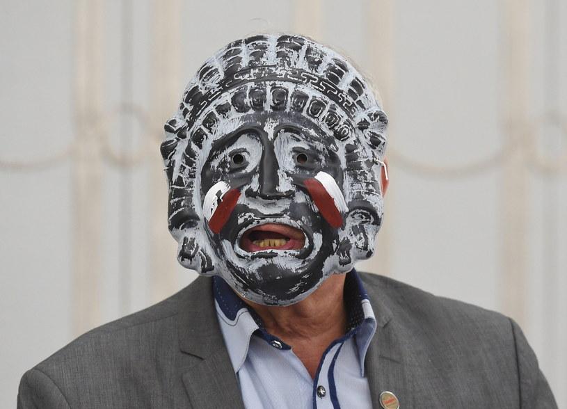 Senator Jan Rulewski w masce /Radek Pietruszka /PAP