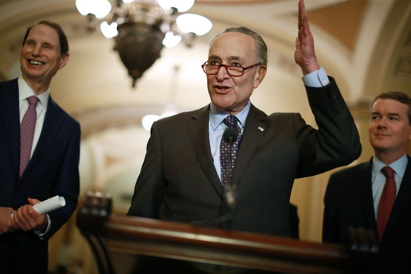 Senatorzy Partii Demokratycznej Ron Wyden, Charles Schumer, Michael Bennet /AFP