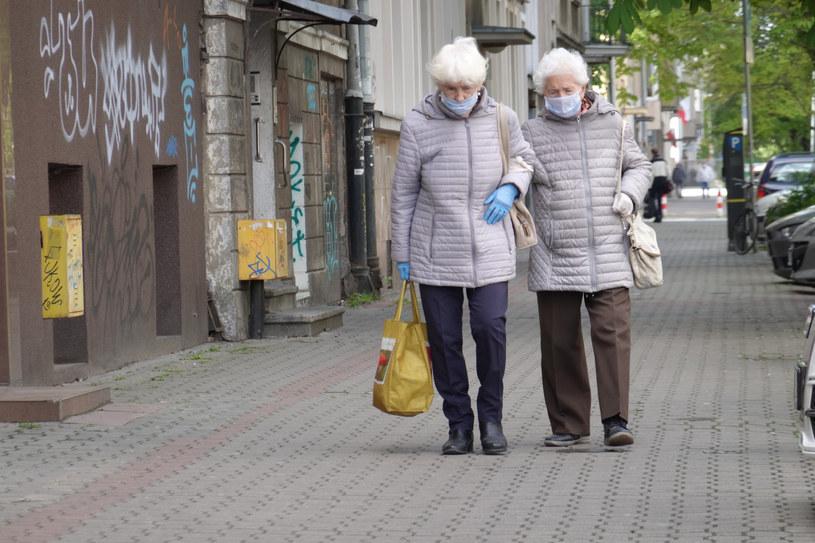 Seniorki na spacerze, zdjęcie ilustracyjne /Wojtek Laski /East News