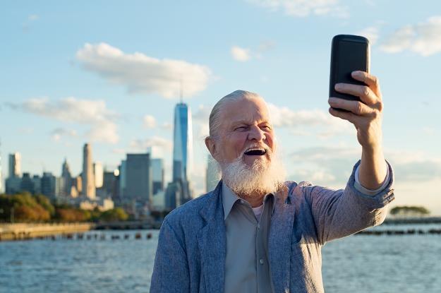 Seniorzy stają się dobrym klientem dla branży turystycznej /©123RF/PICSEL