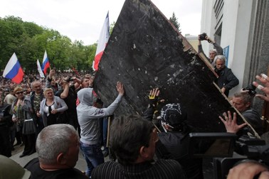 Separatyści zajęli siedzibę władz obwodowych w Ługańsku