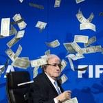 Sepp Blatter wciąż na aucie. CAS utrzymał dyskwalifikację