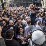 Serbia: Antyrządowe protesty i szturm na telewizję