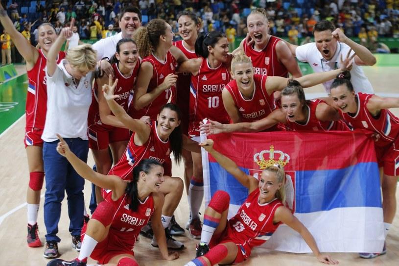 Serbki świętują zdobycie brązowego medalu IO w Rio /PAP/EPA