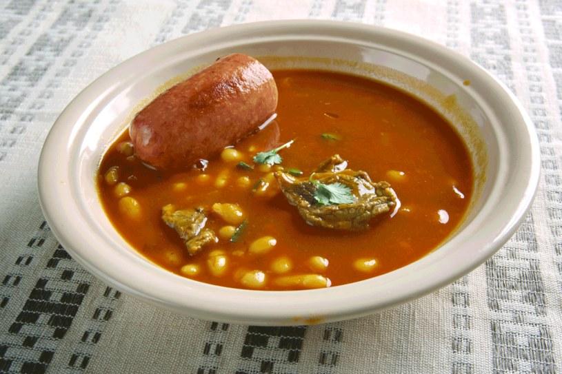 Serbska zupa fasolowa /123RF/PICSEL