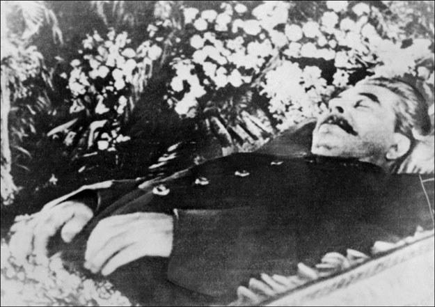"""""""Serce mądrego mądrego wodza przestało bić"""" 5 marca 1953 roku /AFP"""