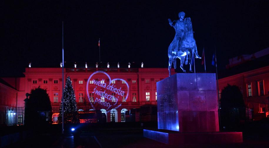 Serduszko WOŚP na fasadzie Pałacu Prezydenckiego /Radek Pietruszka /PAP