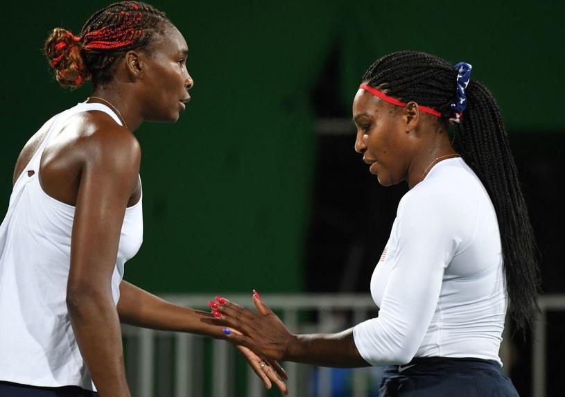 Serena Williams (z prawej) i Venus Williams /AFP