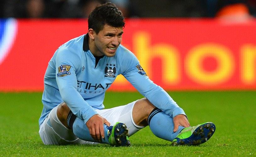 Sergio Aguero nie zagra przez kilka tygodni /AFP