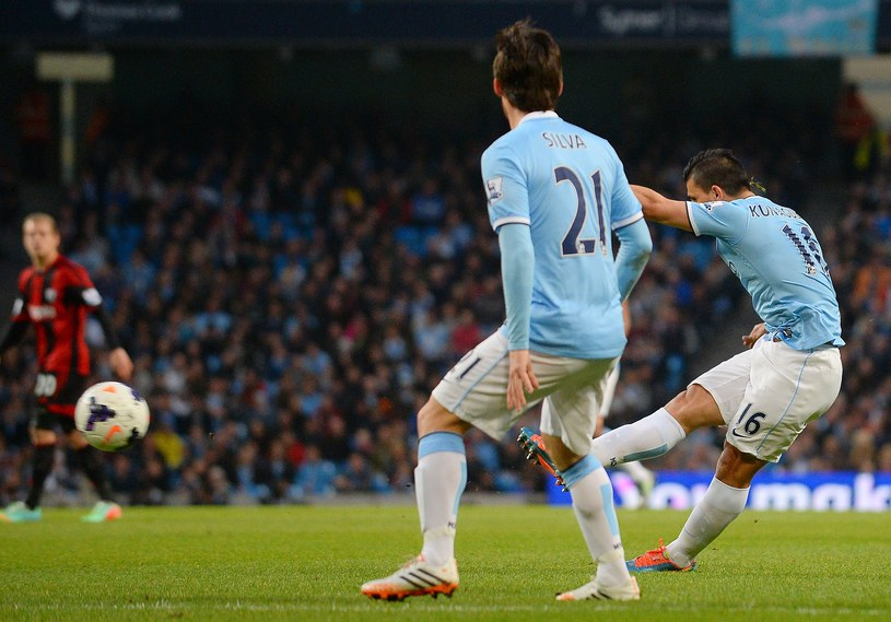 Sergio Aguero strzela na 2-0, David Silva mu asystował. /AFP
