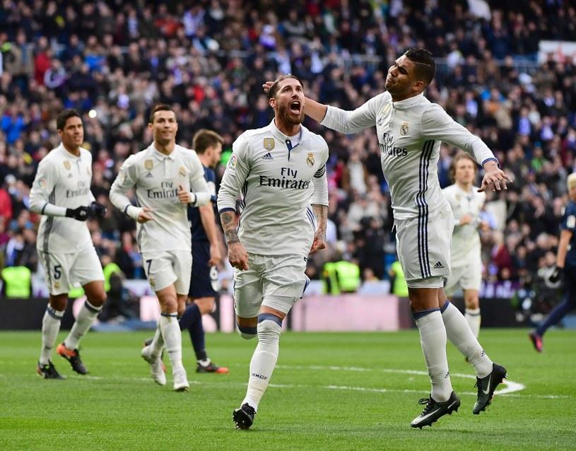 """Sergio Ramos cieszy się ze zdobycia bramki dla """"Królewskich"""" /AFP"""
