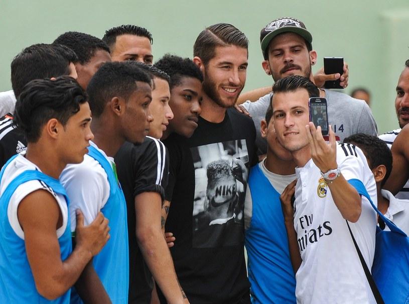 Sergio Ramos jest uwielbiany przez kibiców Realu /AFP