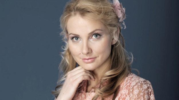 """- Serial nosi roboczy tytuł """"Tajemnica białego anioła"""", a ja gram w nim główną rolę - opowiada urodzona w Wilnie Joanna Moro. /materiały prasowe"""