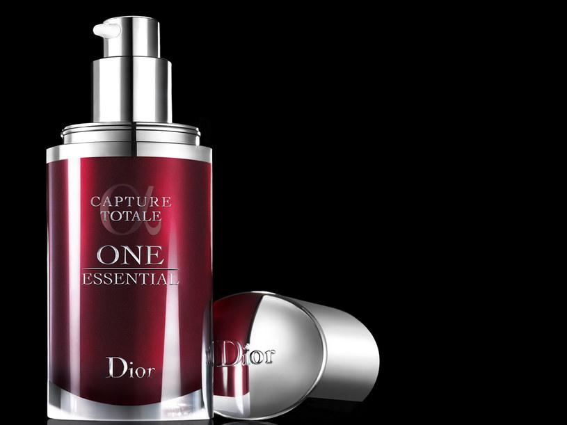 Serum Diora usuwa toksyny z samego serca komórek, aby zapewnić podwójne działanie przeciwstarzeniowe &nbsp: /materiały prasowe