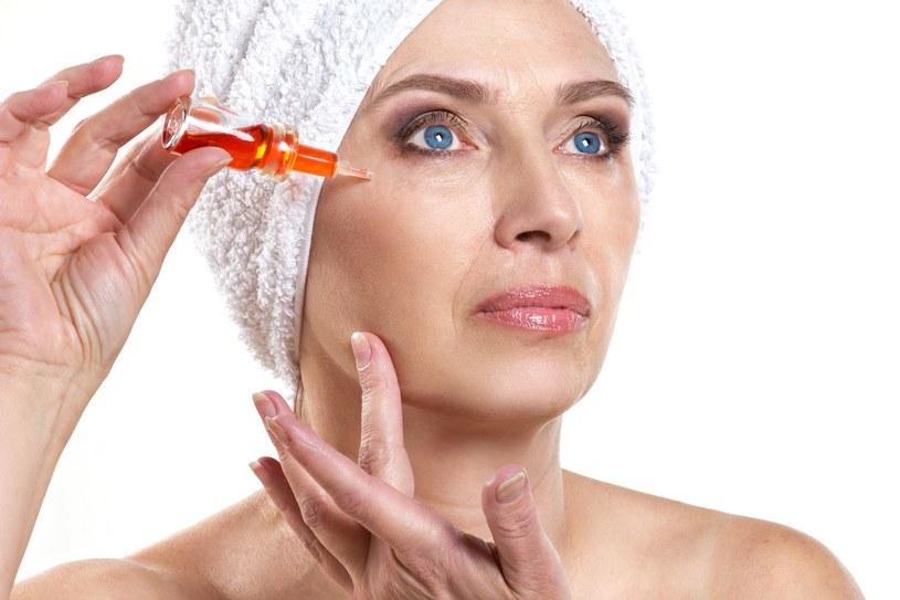 Serum upora się z różnymi problemami skórnymi /123RF/PICSEL