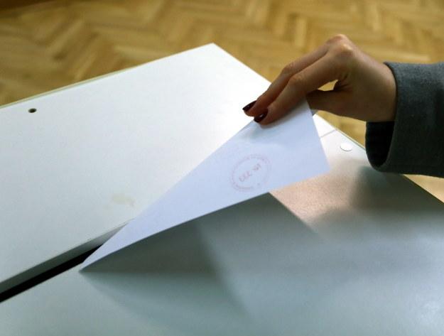 Serwery PKW nie poradziły sobie z poprawionymi protokołami. /Tomasz Gzell /PAP