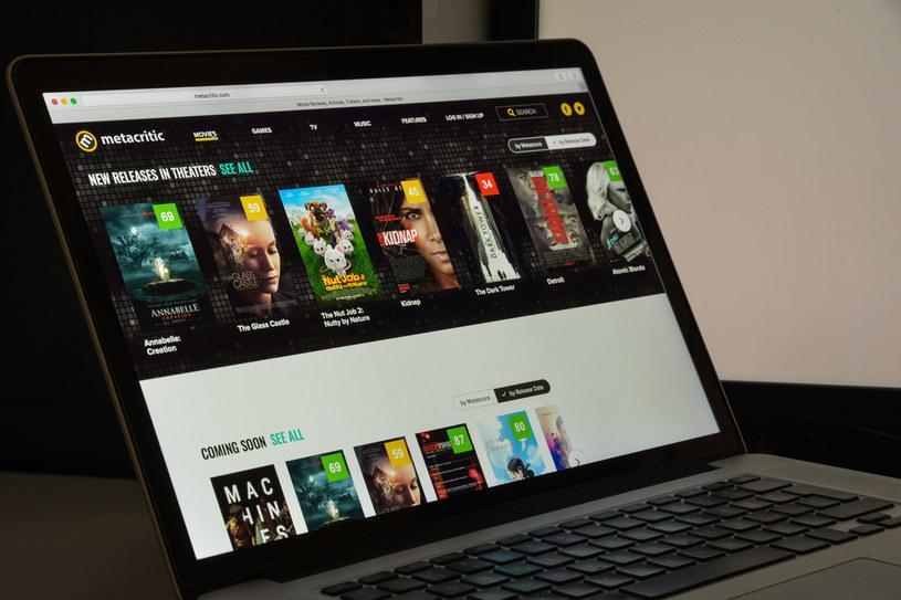 Serwis Metacritic agreguje oceny wielu produktów /123RF/PICSEL