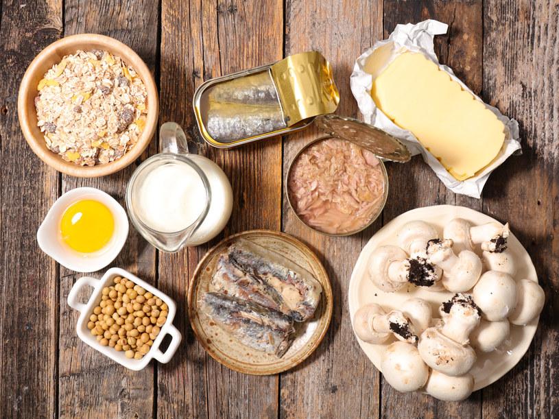 Sery, ryby oraz produkty mleczne to świetne źródło witaminy D3 /123RF/PICSEL