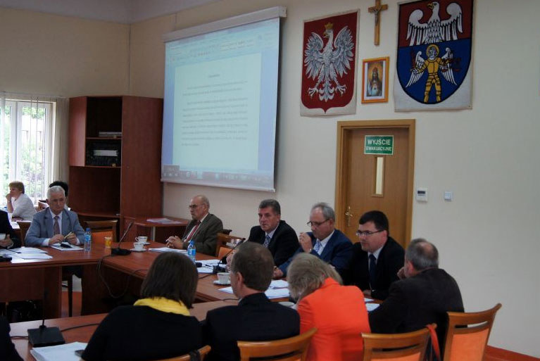 Sesja Rady Powiatu /powiat-wolominski.pl /