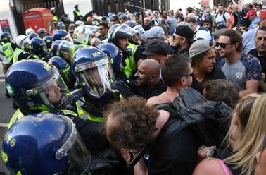 Setki ludzi na ulicach Londynu. Protestowali przeciwko ograniczeniom związanym z pandemią