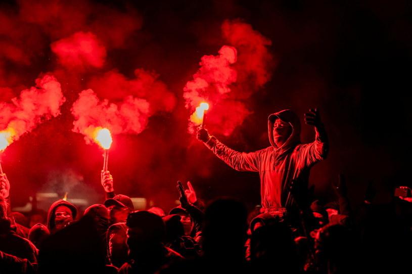 Setki osób protestowały przeciwko obostrzeniom pandemicznym w Danii /RITZAU SCANPIX /Agencja FORUM