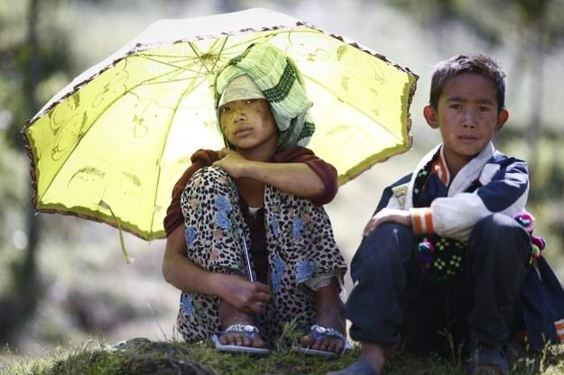 Setki tysięcy osób straciły w wyniku trzęsienia ziemi swoje domy /DIEGO AZUBEL /PAP/EPA