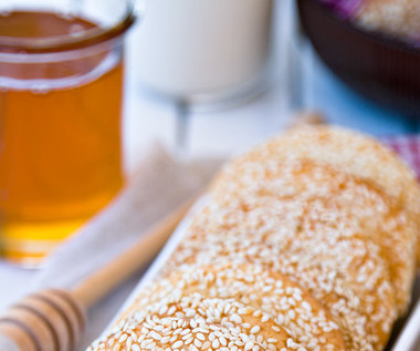 Sezam i miód to naturalna mieszanka na witalność i moc