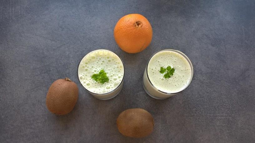 Shake z kiwi i pomarańczy /INTERIA.PL/materiały prasowe