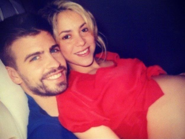 Shakira i jej chłopak nie mają oporów przed publikowaniem prywatnych zdjęć /East News