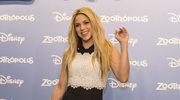 Shakira podbiła zielony (!) dywan. Co za mini!