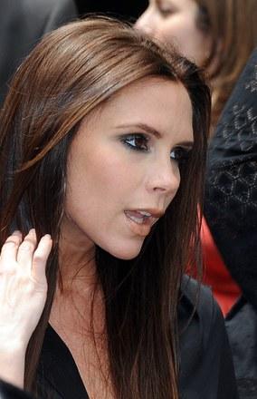 Shakira, czy Victoria Beckham? Która słynna żona słynnego piłkarza podoba Ci się bardziej?