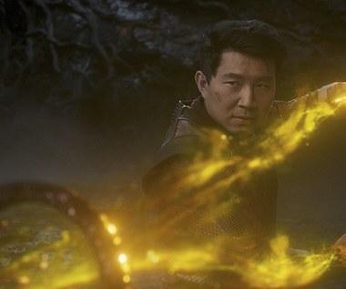 """""""Shang-Chi i legenda dziesięciu pierścieni"""": Metoda Marvela wciąż działa [recenzja]"""