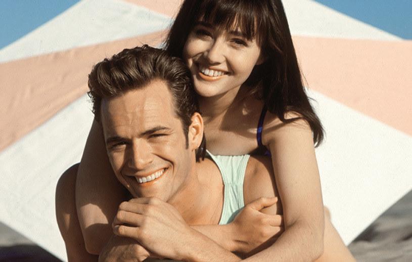 "Shannen Doherty i Luke Perry w ""Beverly Hills 90210"" /Świat Seriali"
