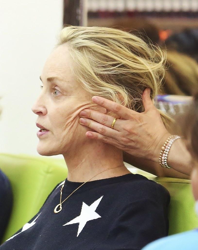 Sharon Stone w gabinecie kosmetycznym /Splash News /East News