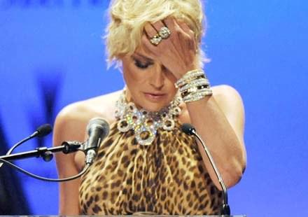 Sharon Stone żałuje swej wypowiedzi /AFP