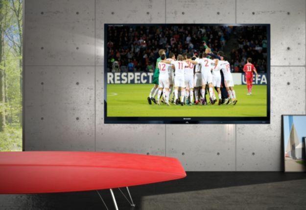 Sharp Quattron 3D LE835E - Sharp nazywa go oficjalnym telewizorem Euro 2012 /materiały prasowe