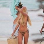 Shayna Taylor zachwyca figurą w panterkowym bikini!