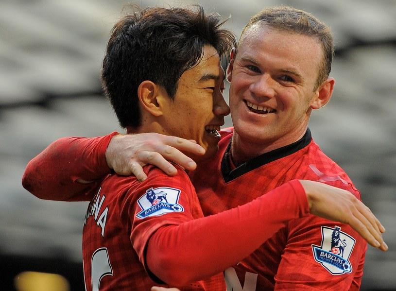 Shinji Kagawa i Wayne Rooney /AFP