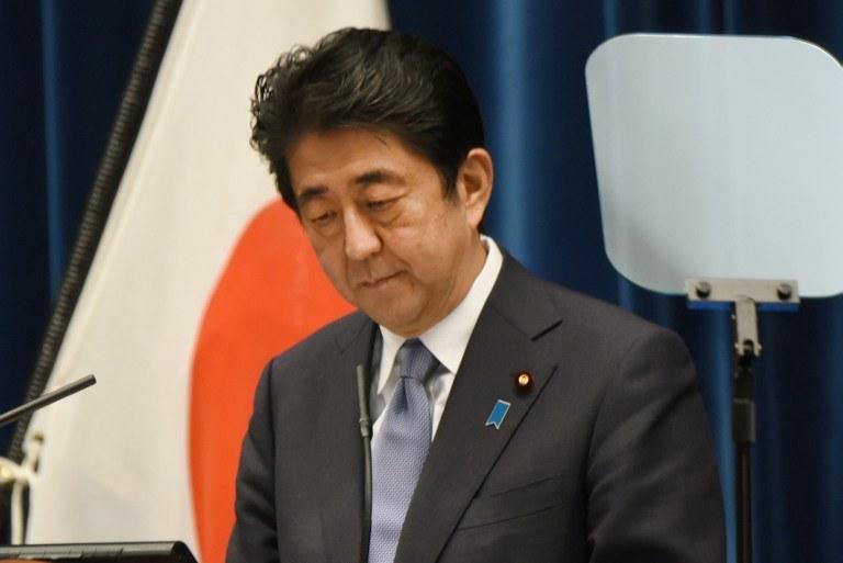 Shinzo Abe wyraził głeboki żal i wieczne ubolewanie /TORU YAMANAKA / AFP /AFP