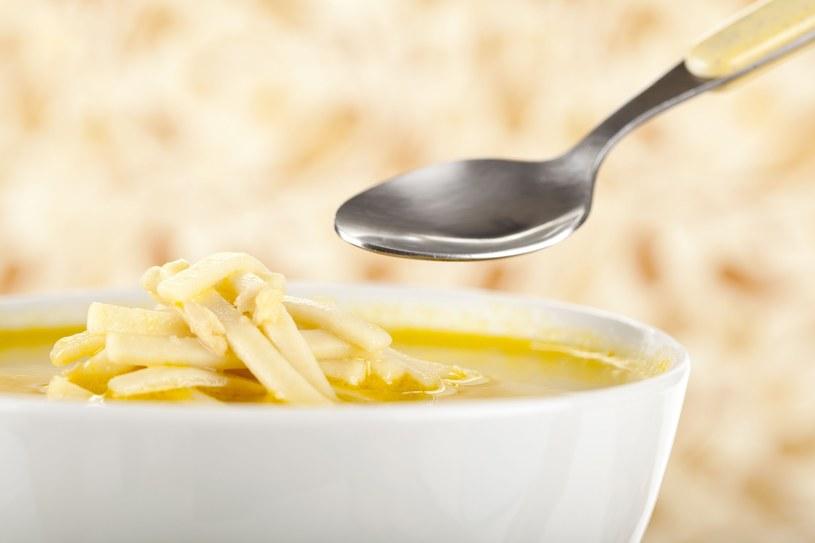 Shirataki noodles - świetna dietetyczna zupa /123RF/PICSEL